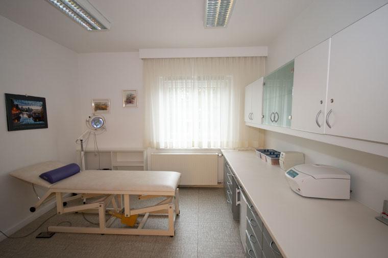 Hausarzt Westheim Behandlungsraum 2
