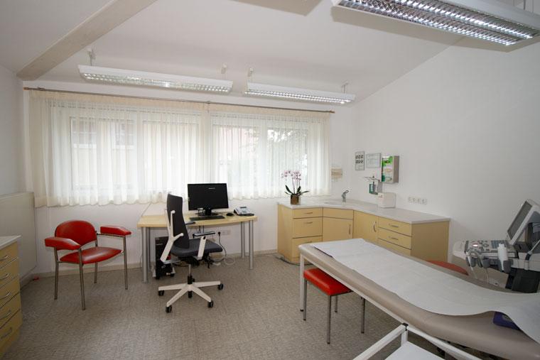 Hausarzt Westheim Behandlungsraum 1